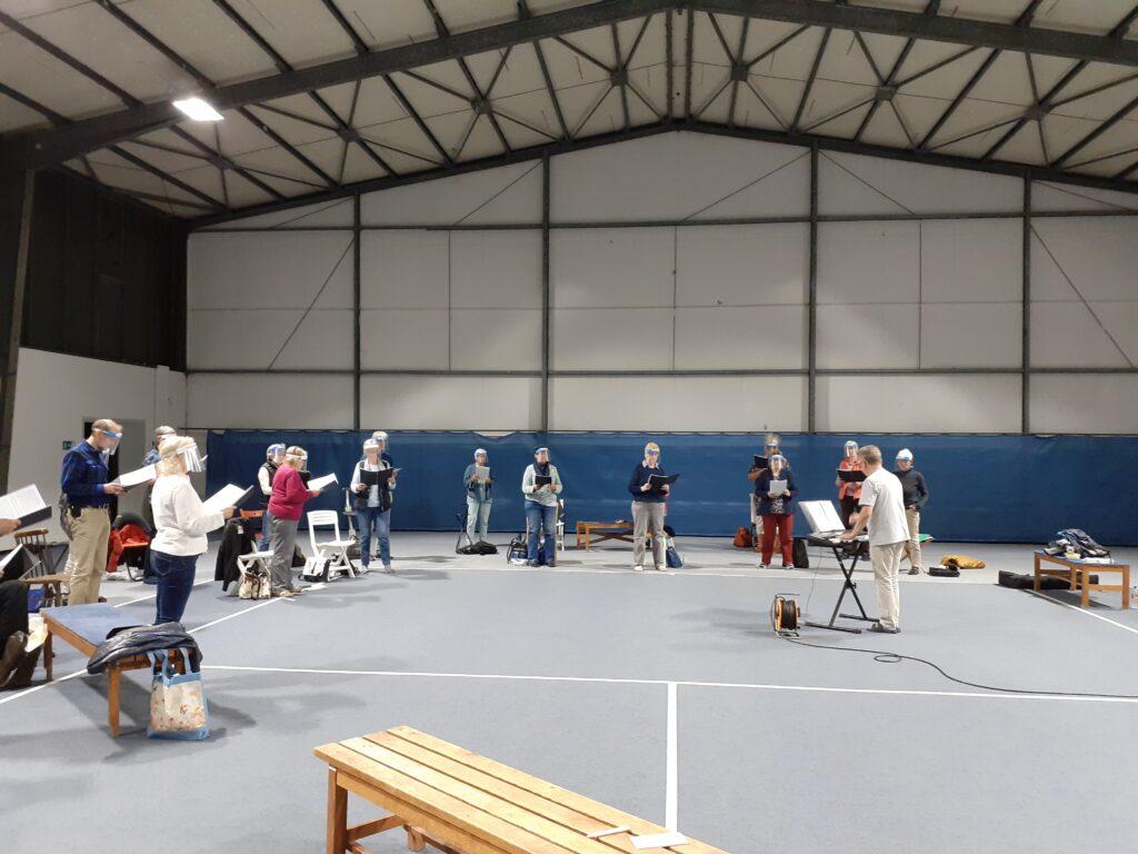 Neustart Chorprobe in der Tennishalle Burgwedel Oratorienchor