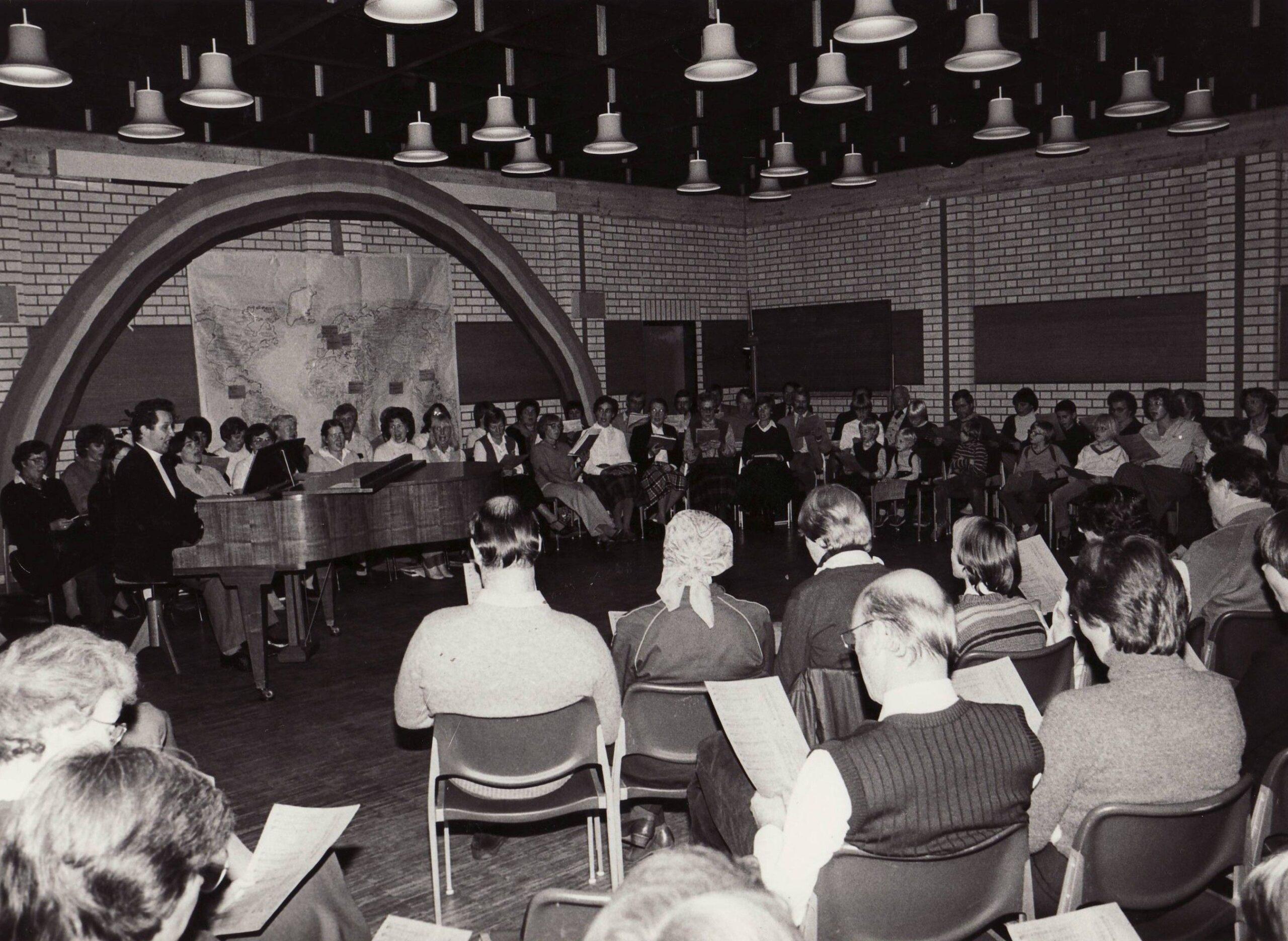 1982: Offenes Singen Gemeindesaal St. Petri